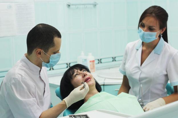 после удаленния зуба